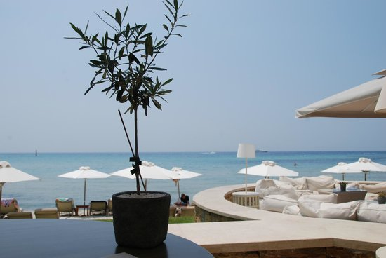 Sani Beach: restaurant de l'hôtel face à la mer
