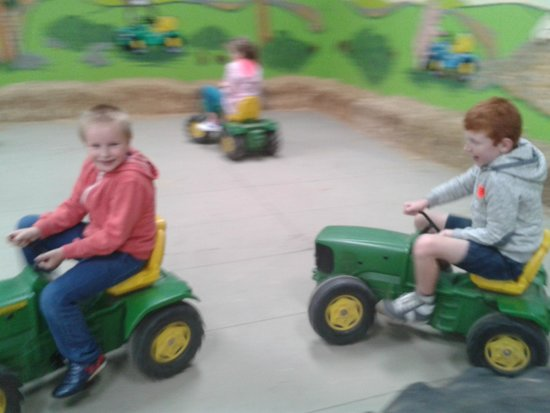 Thornton Hall Farm Country Park: tractor ride free