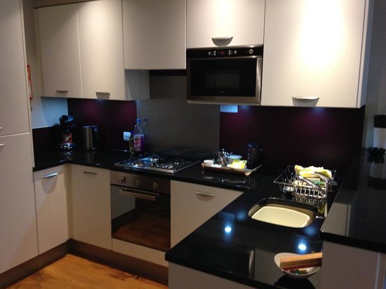 Center Parcs Whinfell Forest: Kitchen.