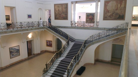 Museo Palacio Ferreyra: Escalera Principal