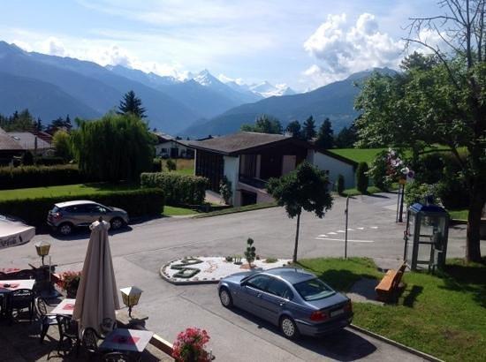 Auberge Le Petit Paradis : Вид из окна