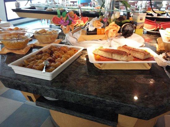 Hotel Cibeles Playa: manzanas asadas y pudín
