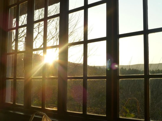 Indigo Fields Farm House and Spa: Sunrise from the Safari Room