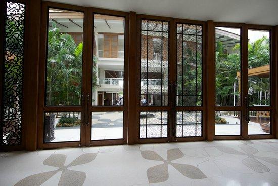 InterContinental Hua Hin Resort: Reception lobby.