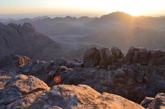 Mount Sinai: Wschód słońca na Synaju