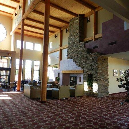 Moenkopi Legacy Inn & Suites: Moenkopi Lobby