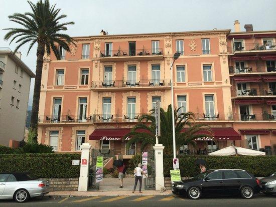 Best Western Hotel Prince De Galles : Hotel von der Uferpromenade