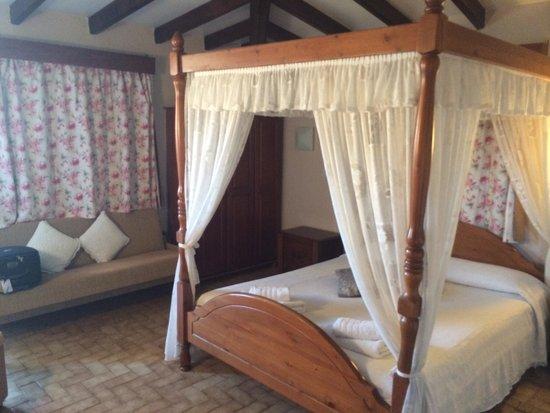 Vasilias Nikoklis Inn: Bedroom