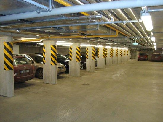 Nordic Hotel Forum : парковка