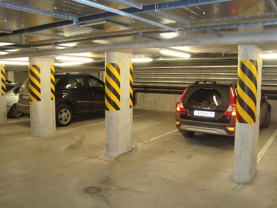 Nordic Hotel Forum : подземная парковка
