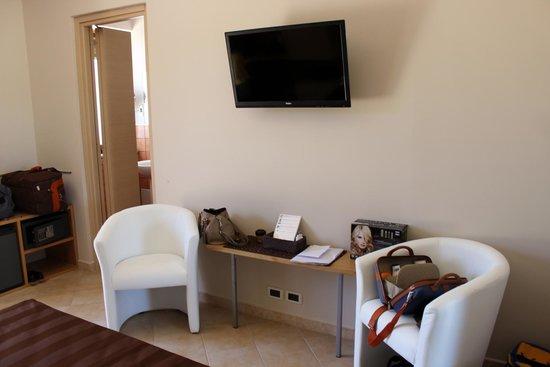 B&B Villa Valentina Taormina : possibilità di avere la tv a plasma in camera