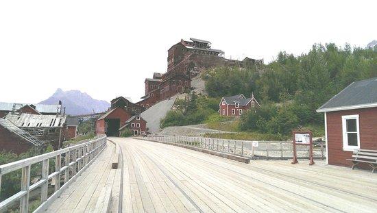 St. Elias Alpine Guides Day Adventures: Kennecott