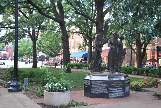 Holiday Inn World's Fair Park-Knoxville: Downtown Market Square
