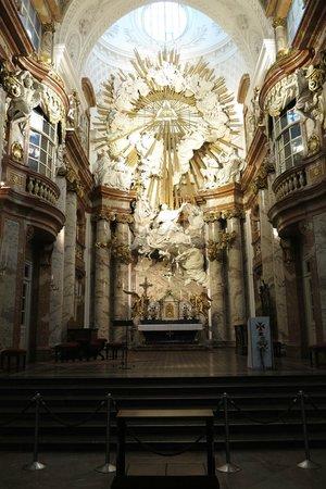 Karlskirche: Altar da Igreja