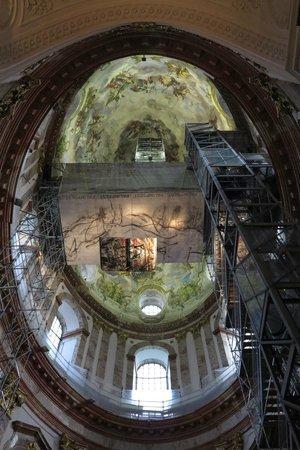 Karlskirche: Vista da cúpula e dos elevador de acesso!!