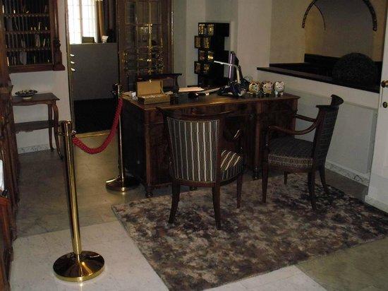 Hotel Fuerst Metternich: Ресепшн