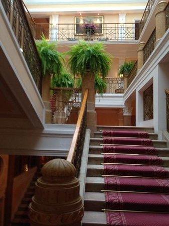 Hotel Sacher Salzburg: inner courtyard!