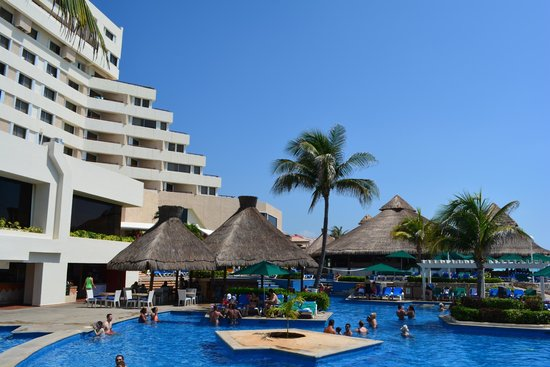 Royal Solaris Cancun : pool area