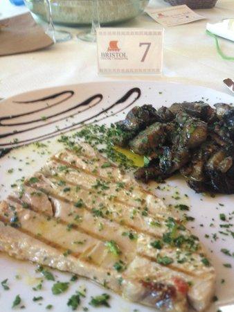 Calampiso Sea Country Resort : pesce fresco