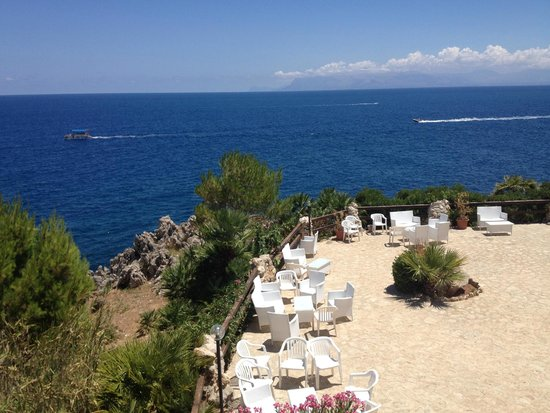 Calampiso Sea Country Resort : Vista da Apericena