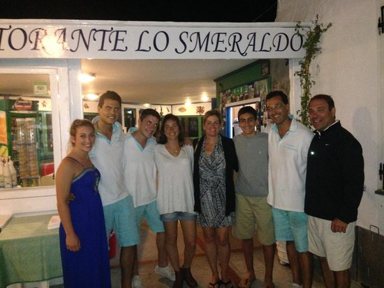 Lo Smeraldo: Our family with the amazing staff