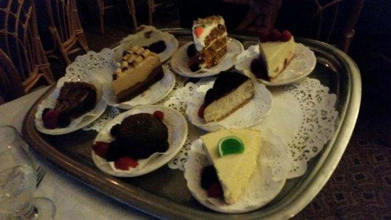 The Naswa Resort : Dessert tray!