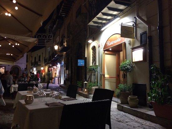 Esterno ristorante bild fr n locanda del marinaio for L esterno del ristorante cruciverba