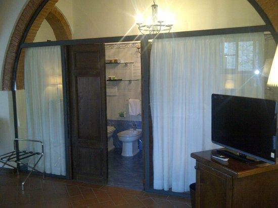 Relais Villa Petrischio: Banheiro charmoso