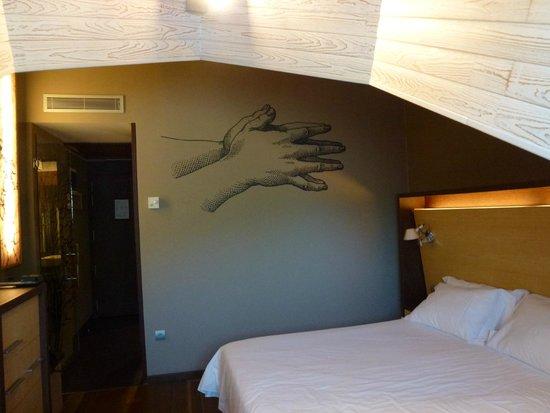 SOMMOS Hotel Aneto: Decoración habitación