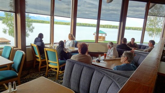 Best Western Lake Lucille Inn: Dining area with a gorgeous view!