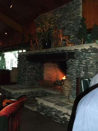 Cherokee Grill : The fireplace
