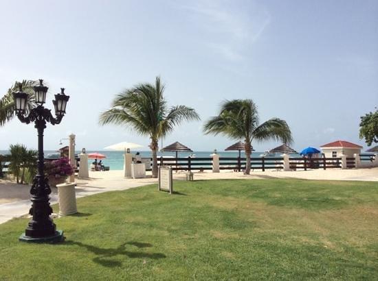 Sandals Grande Antigua Resort & Spa: mare favoloso