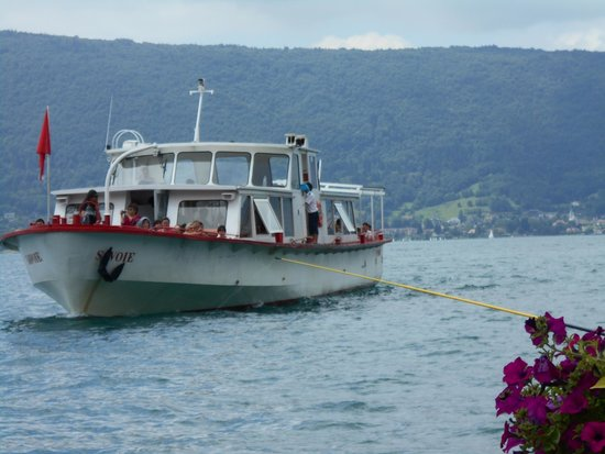 Compagnie des Bateaux du Lac d'Annecy: Fed and watered, ready for the second part of the cruise