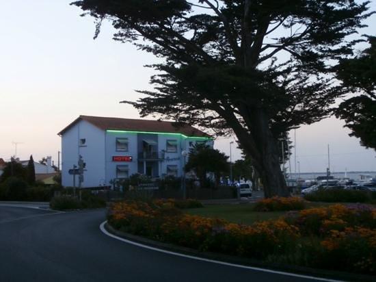 Hotel La Roseraie : c'est bon de trouver un hôtel si accueillant .......