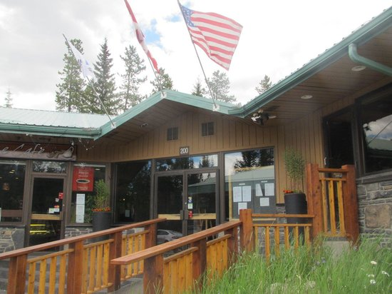 Mountain Restaurant: The entrance