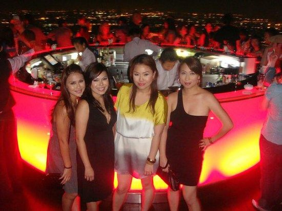 lebua at State Tower: Awesome time with my girls