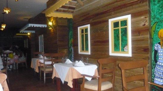 Grand Palladium Lady Hamilton Resort & Spa : jamaican restaurant