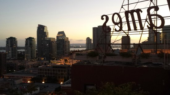 Ramada Gaslamp Convention Center: Rooftop view