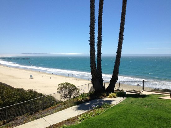 SeaCrest OceanFront Hotel : View from our room. :-)