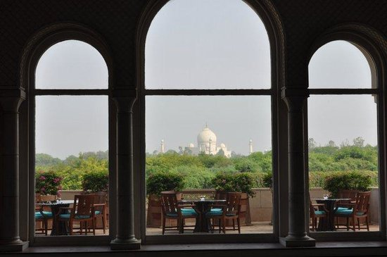 The Oberoi Amarvilas: view of the Taj from the lobby