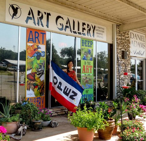 Buchanan Dam, เท็กซัส: Daniel Adams Art Gallery Front