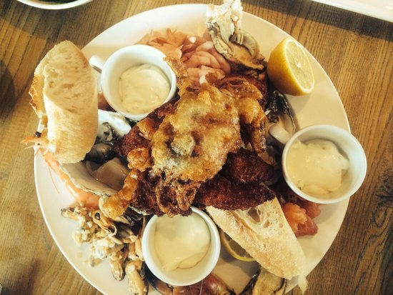 The Old Boat House: Seafood platter for 2. Fresh prawns, crevettes, dressed crab, crab claws, smoked salmon, mussels