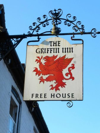 The Griffin Inn: Front of hotel