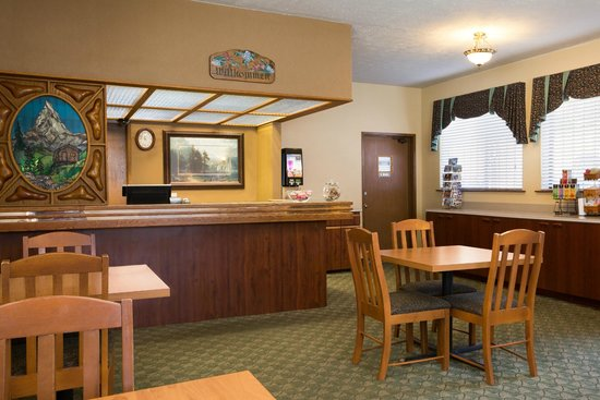 Howard Johnson Express Inn - Leavenworth: Lobby