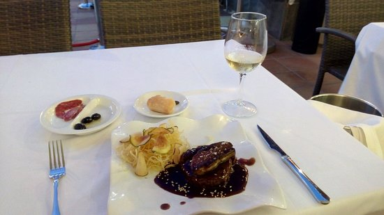 Rocxi : Мясо в соусе из портвейна  потрясающе! Это половина порции )