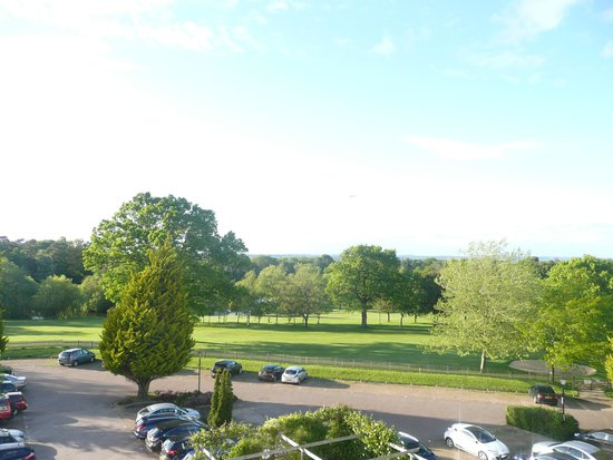 Copthorne Hotel Effingham Gatwick: View from our balcony