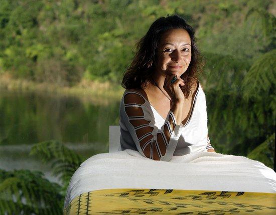 Wikitoria Maori Healing : Rotorua massage with Wikitoria