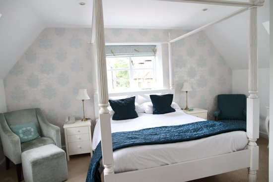 Dial House Hotel: Bed in room 9