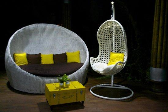 Le Cameleon Boutique Hotel : Lounge at front-desk