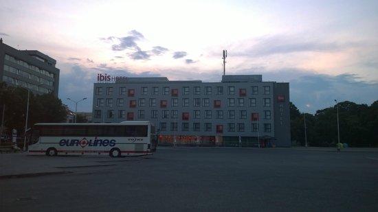 Ibis Kaunas Centre: posizione hotel rispetto alla stazione dei bus